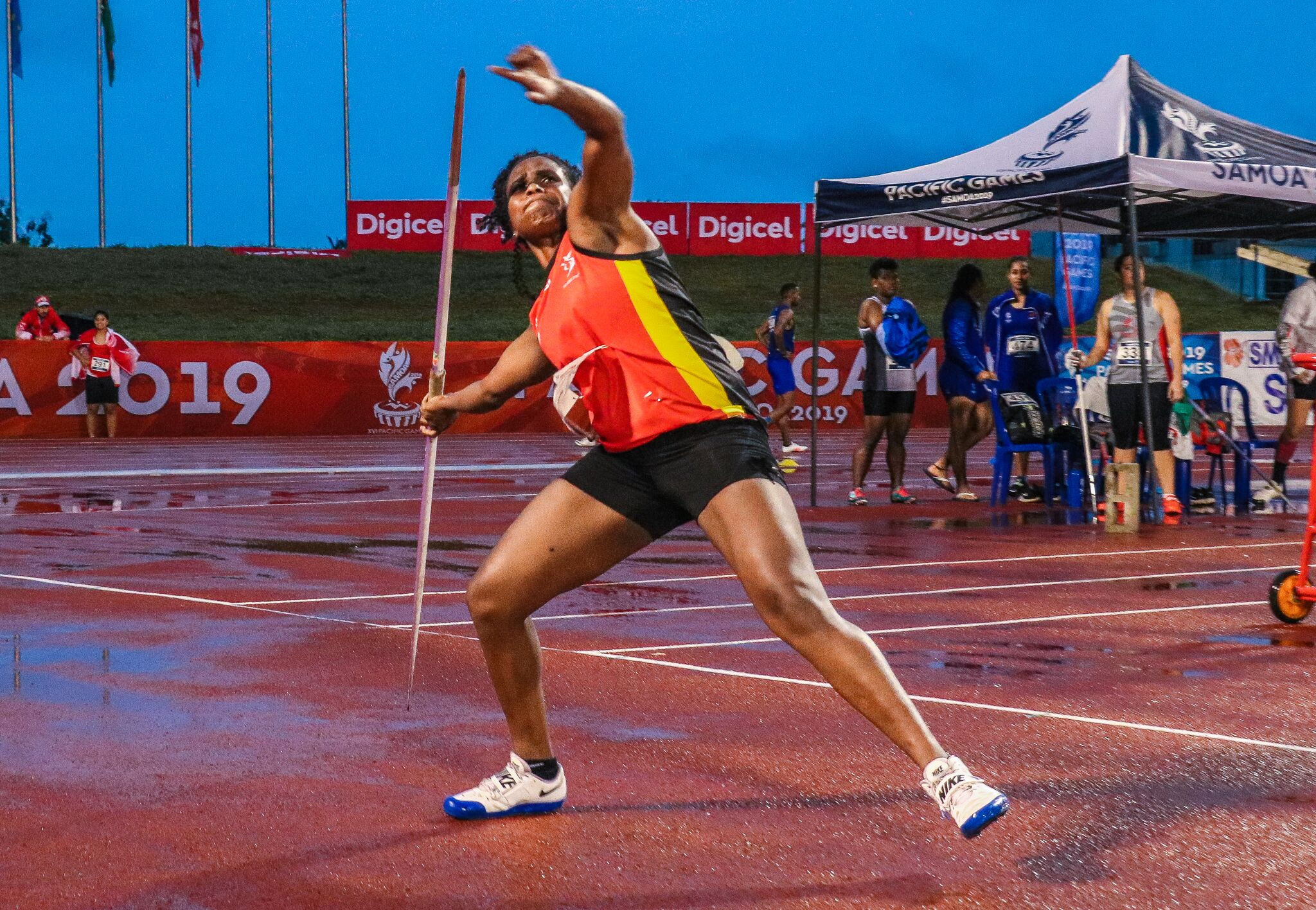 Sharon Toako took gold in a dramatic women's javelin competition that had to be paused due to heavy rain ©Samoa 2019