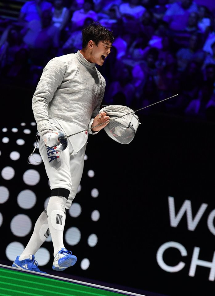 South Korea's Oh Sanguk came out on top in the men's sabre event ©#BizziTeam/FIE/Facebook