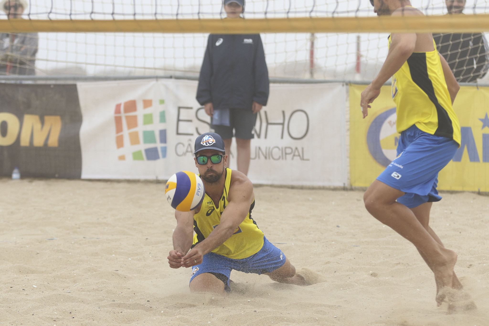Legendary Spaniards Pablo Herrera and Adrian Gavira produced a superb display to defy the seeding in Pool F ©FIVB