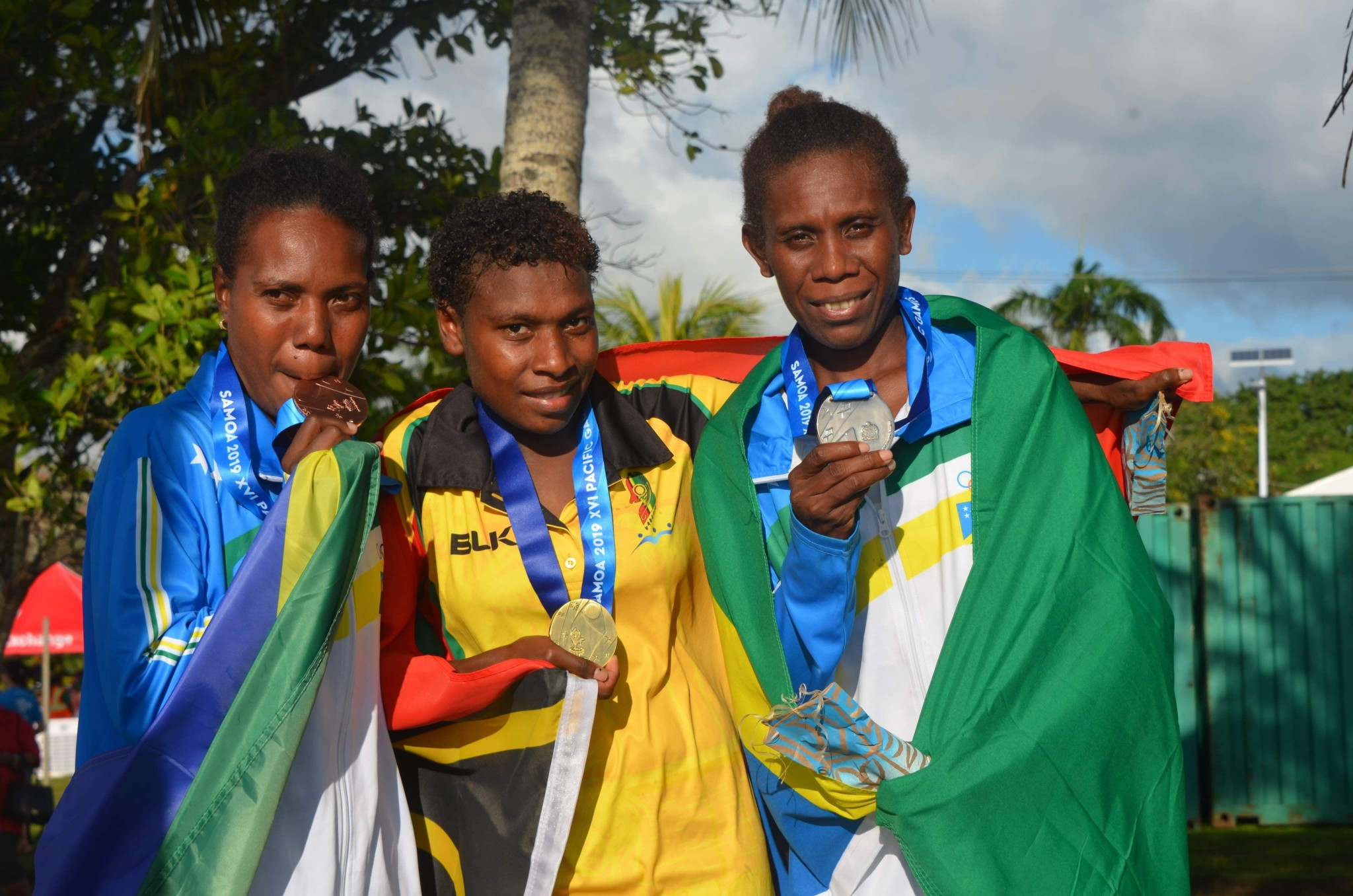 Dianah Matekali and Solomon Islands team mate Sharon Firisua claimed silver and bronze respectively ©Games News Service