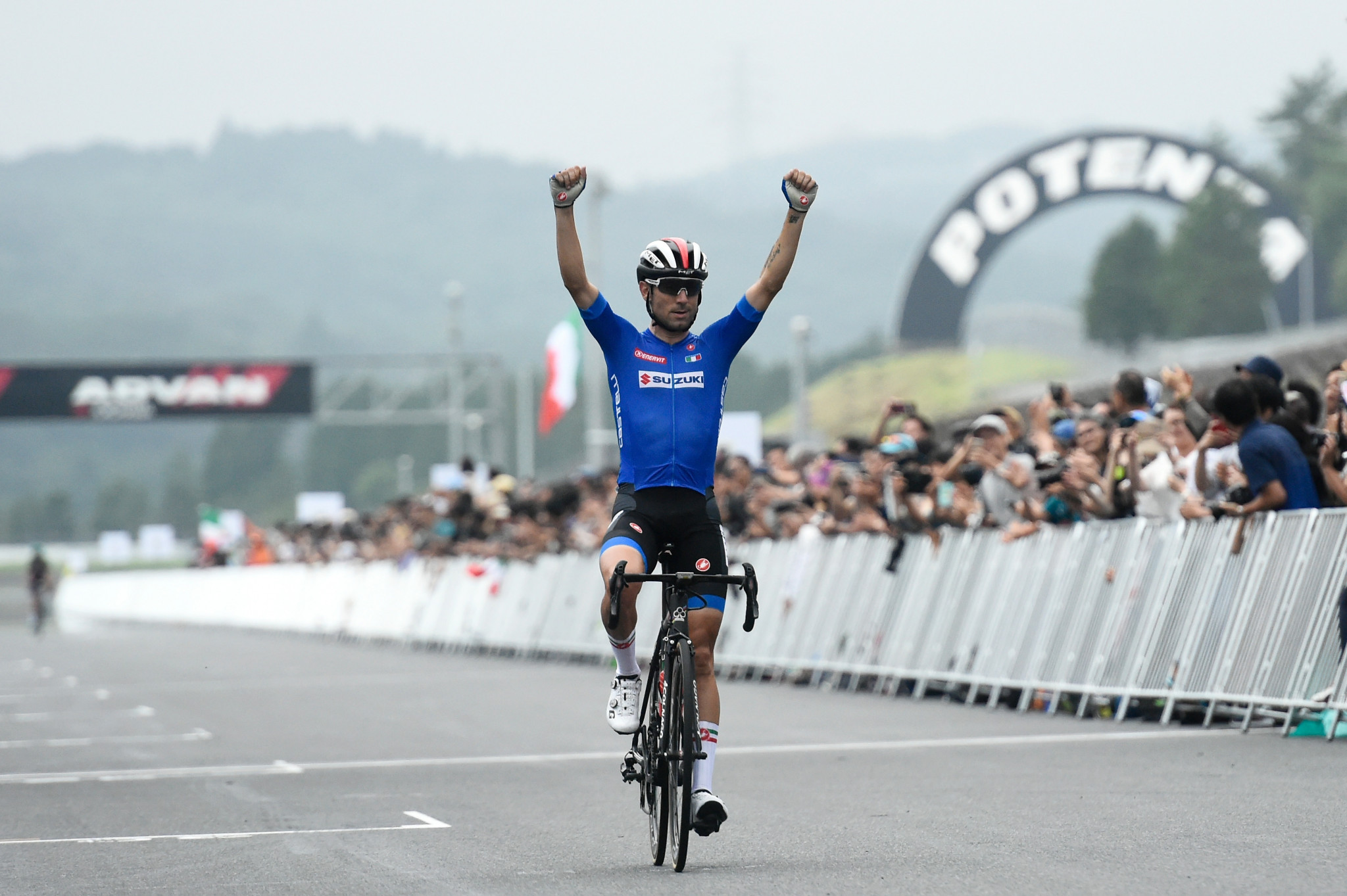 Italy's Diego Ulissi celebrates winning the test event ©Getty Images