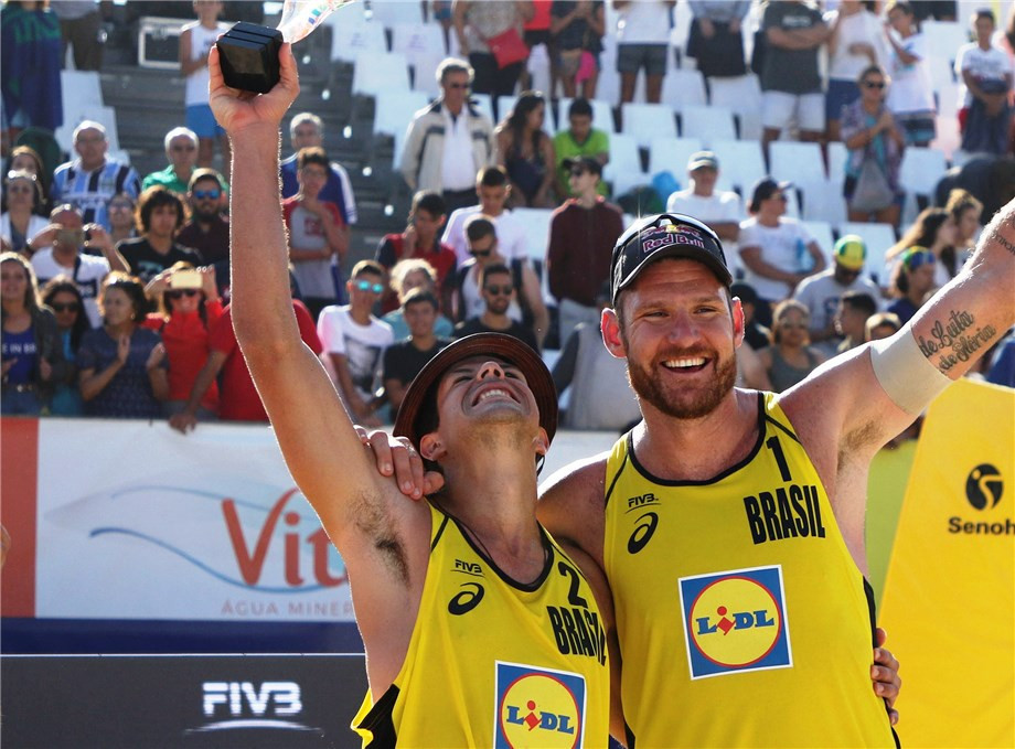 Olympic gold medallist Alison Cerutti and Alvaro Morais Filho secured their second gold medal as a pair ©FIVB