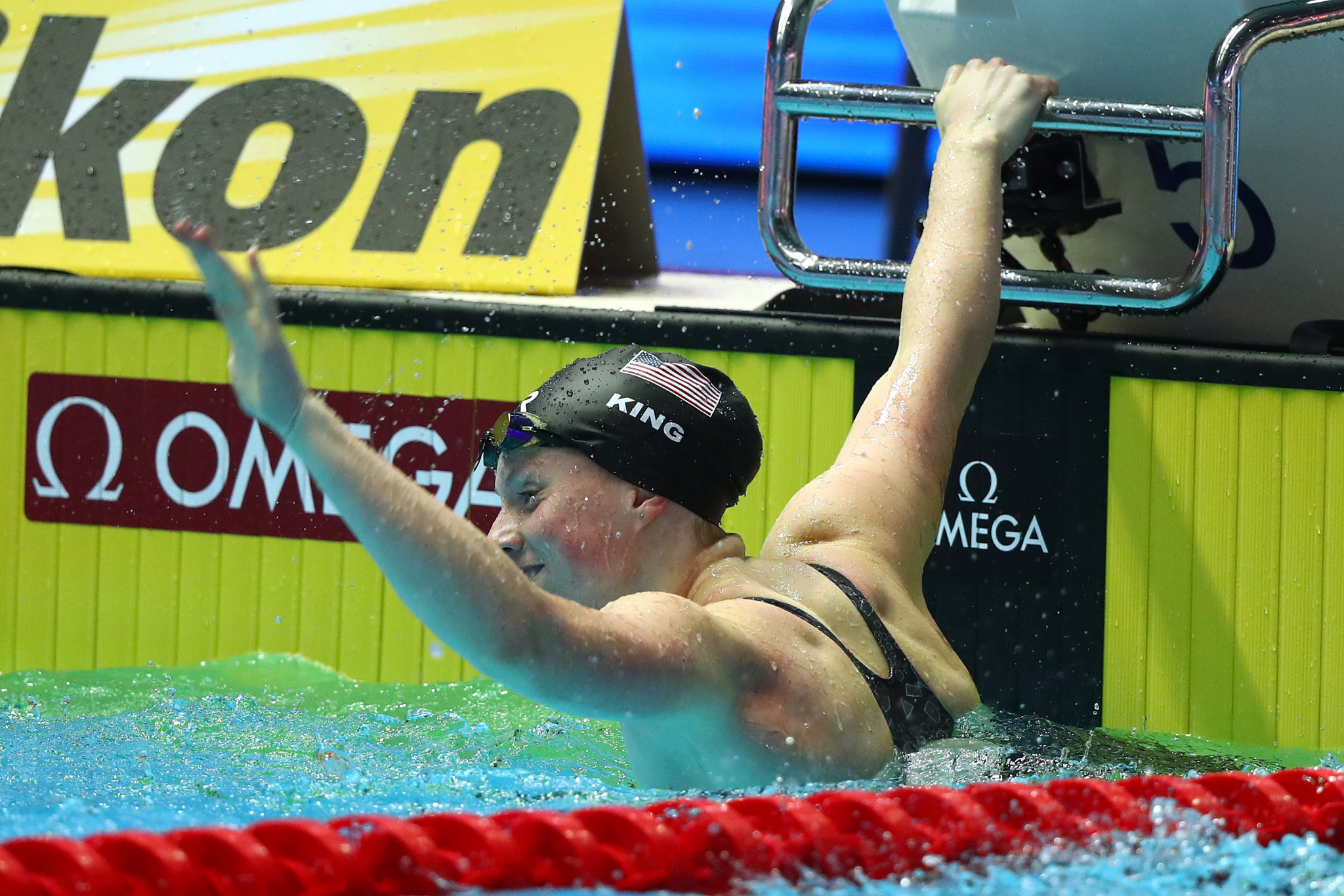 Lilly King got the better of rival Yuliya Efimova of Russia ©Getty Images