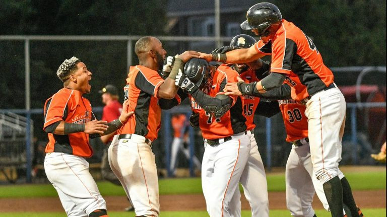 Hosts Netherlands make assured start to WBSC Softball Europe/Africa Tokyo 2020 Qualifier