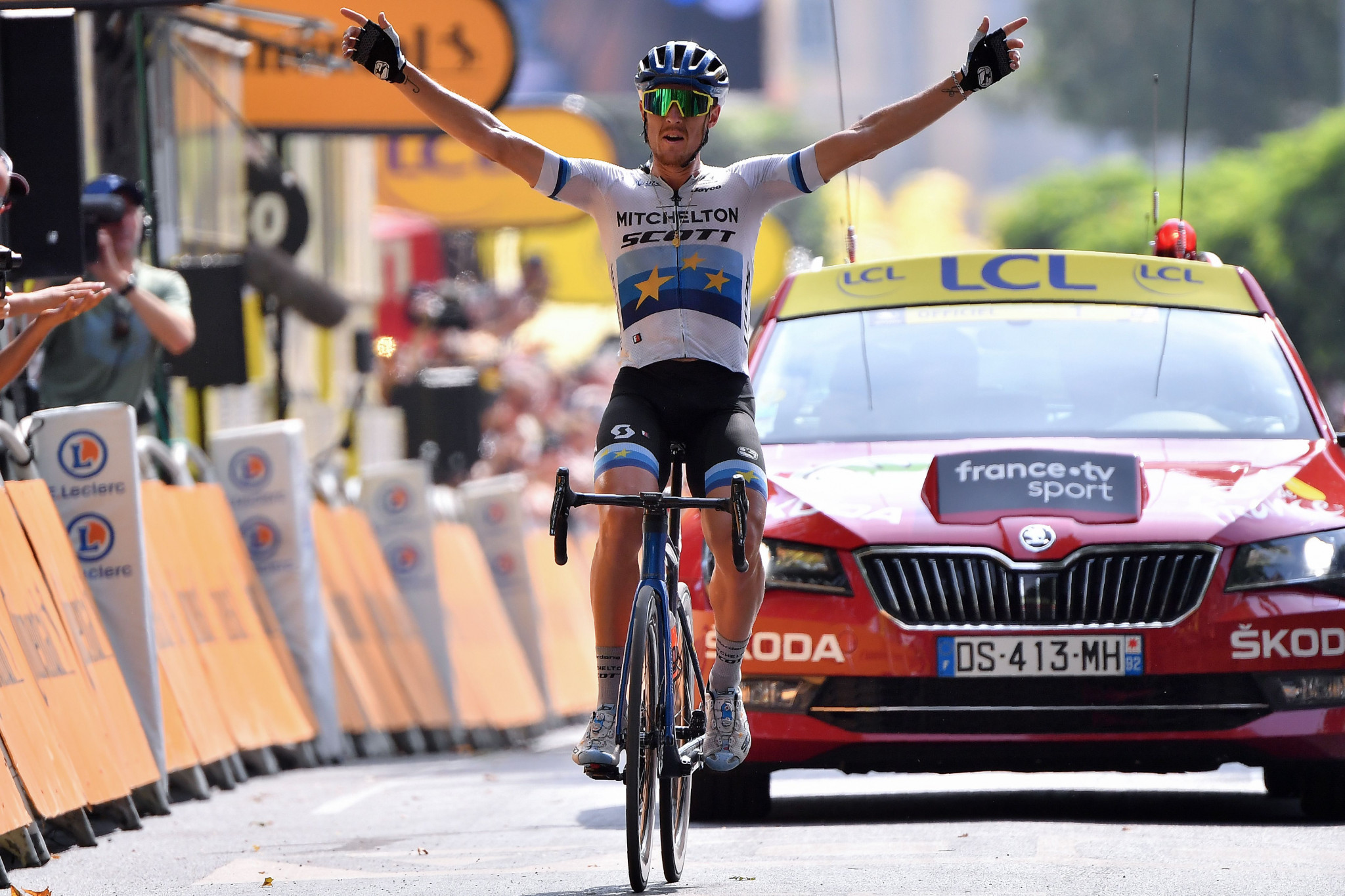 Trentin wins stage 17 of Tour de France as Alaphilippe keeps hold of yellow jersey