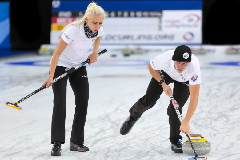 The open entry format at the World Mixed Doubles Championship has been scrapped  ©WCF