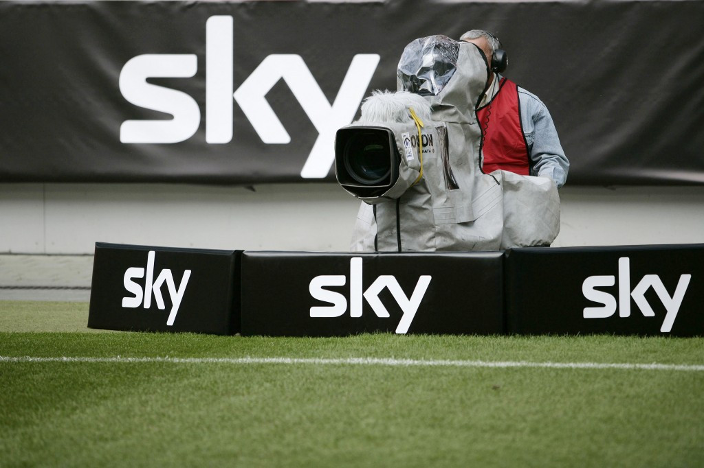 The amount broadcasters are prepared to spend on television rights for sports events has increased dramatically in recent years and is now estimated to be more than $20 billion a year