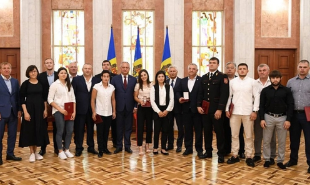 The President of Moldova handed out state awards to sambo athletes ©European Sambo Federation