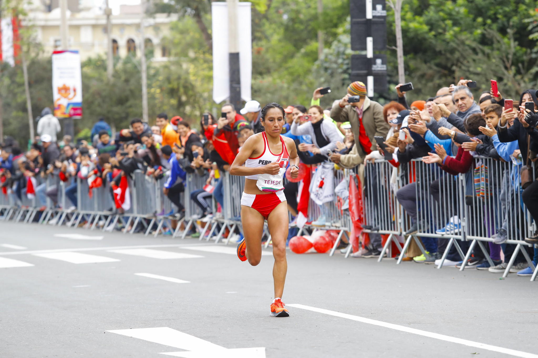 Gladys Tejeda won gold four years after being stripped of her Toronto 2015 marathon title ©Lima 2019