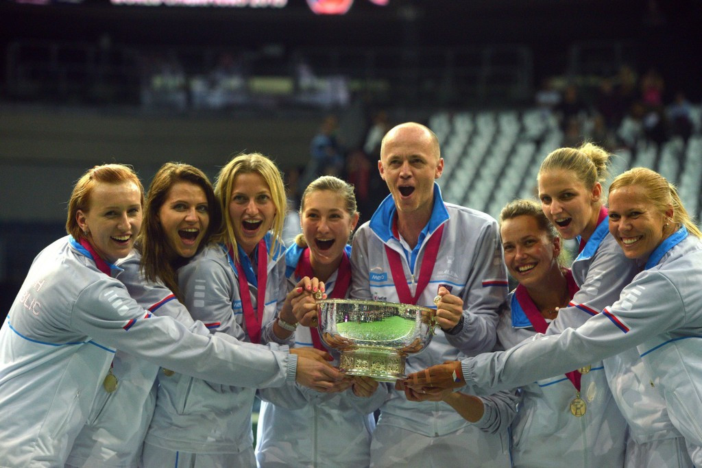 Czech Republic defend Fed Cup title after winning decisive doubles rubber against Russia