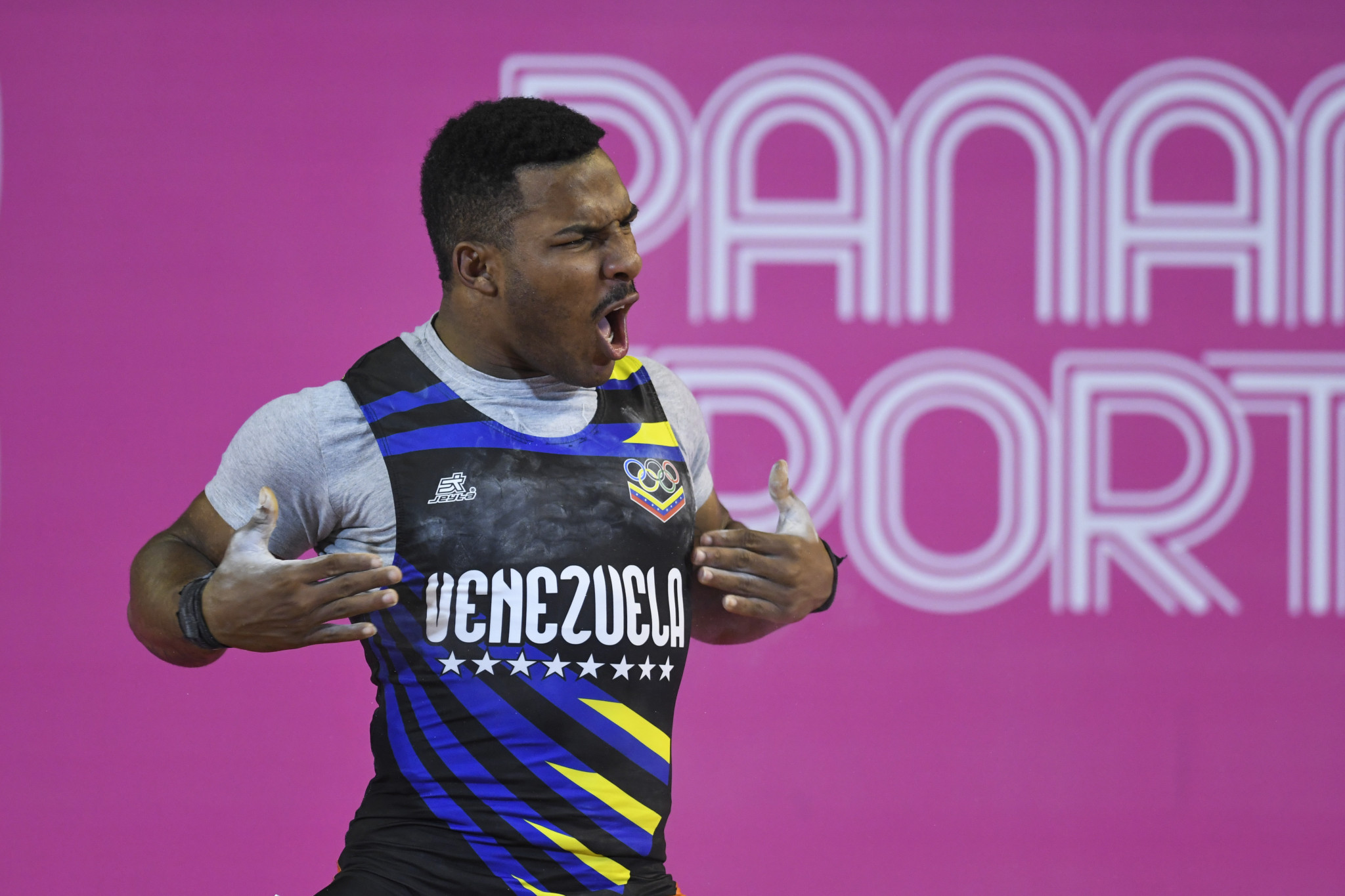 Colombia and Venezuela impress in weightlifting at Lima 2019