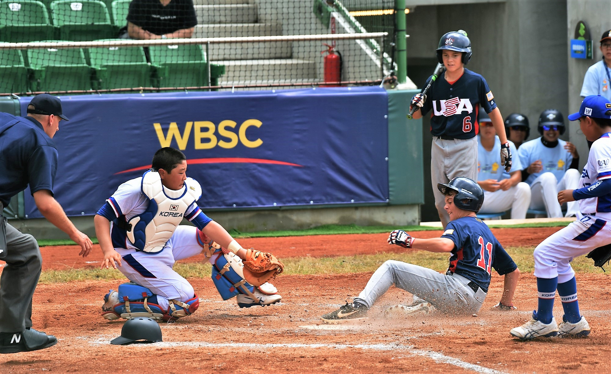 The US battled hard to claim victory ©WBSC