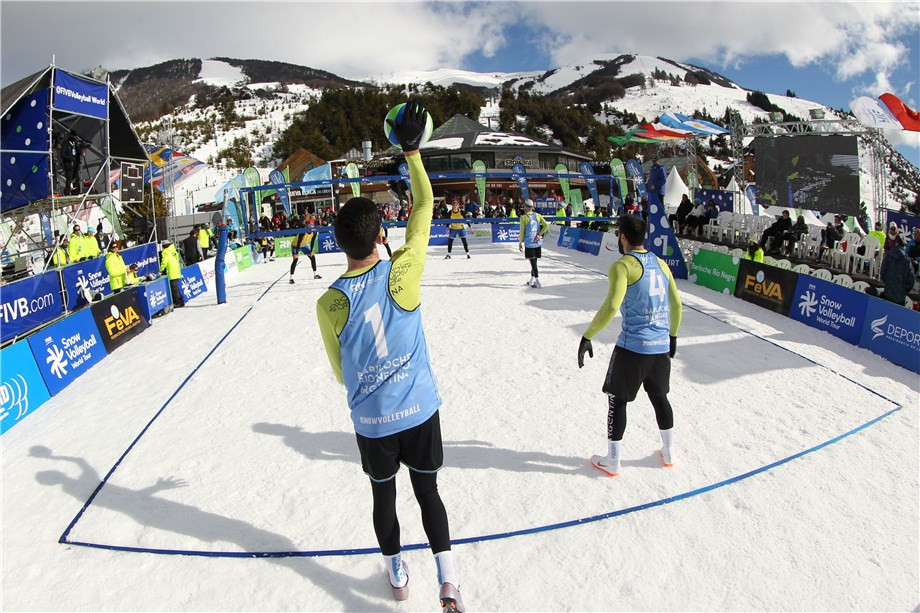 Hosts Argentina cruise into FIVB Snow Volleyball World Tour quarter-finals