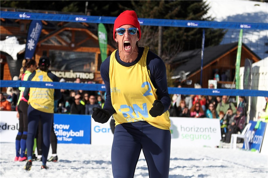 Unbeaten Brazil see off Slovakia to reach FIVB Snow Volleyball World Tour last four