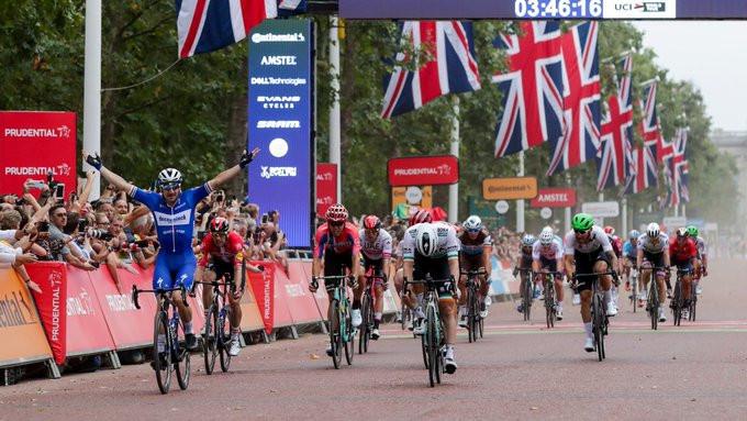 Viviani triumphs in sprint finish at Prudential RideLondon-Surrey Classic