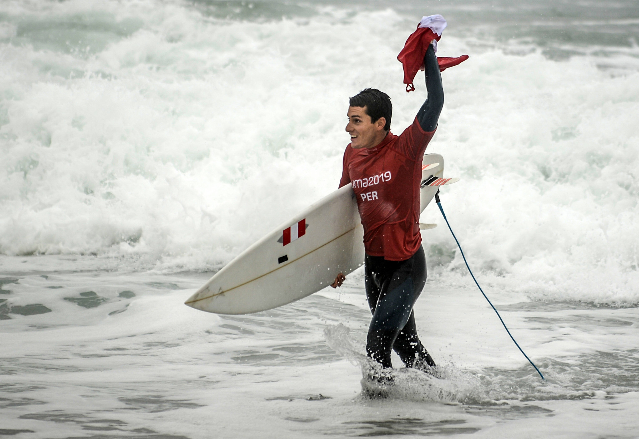 Peru shine on final day of Lima 2019 surfing as Rosas and Mesinas qualify for Tokyo 2020