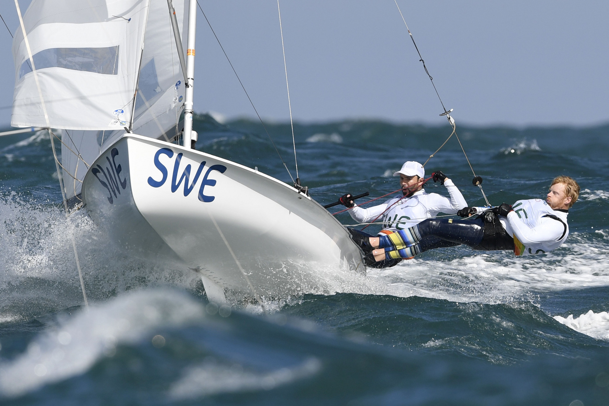 Swedish duo take lead in men's event as racing begins at 470 World Championships at Tokyo 2020 venue