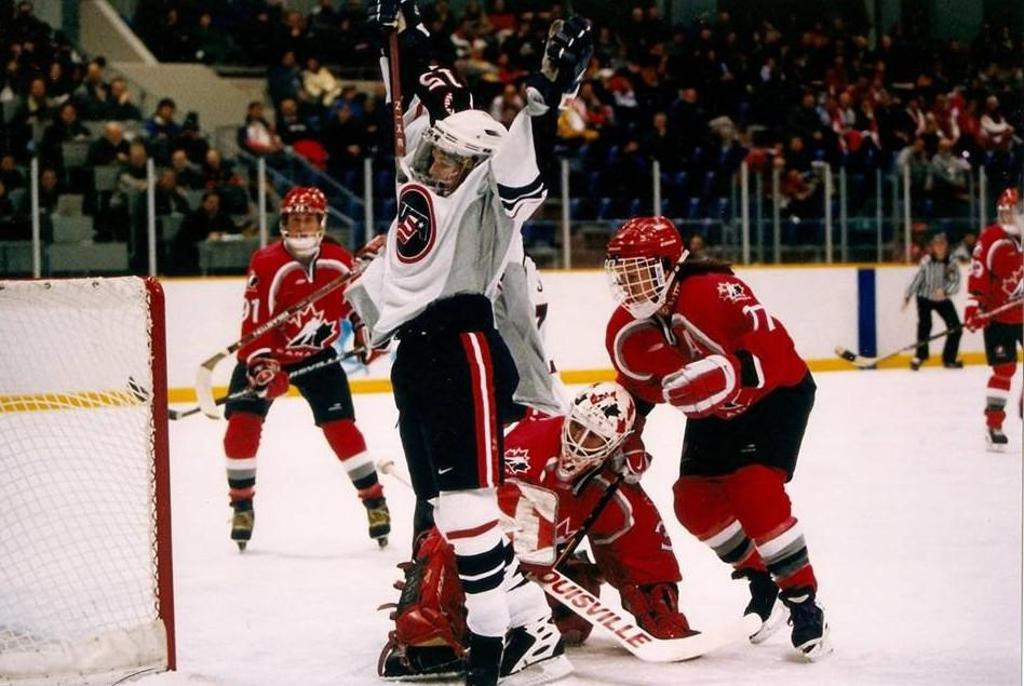 Shelley Looney scored the game-winning goal against Canada in the women's ice hockey final at the 1998 Winter Olympic Games in Nagano ©USA Hockey