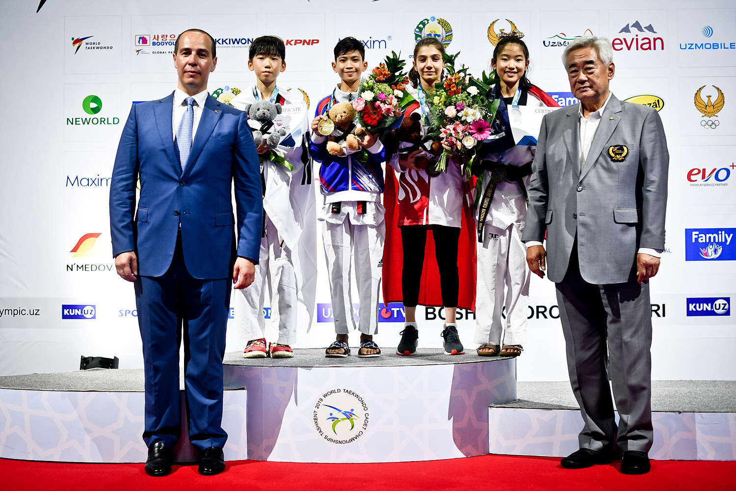 Thailand's Waranya Talatngoen won the women's under-29 kilograms gold medal ©World Taekwondo