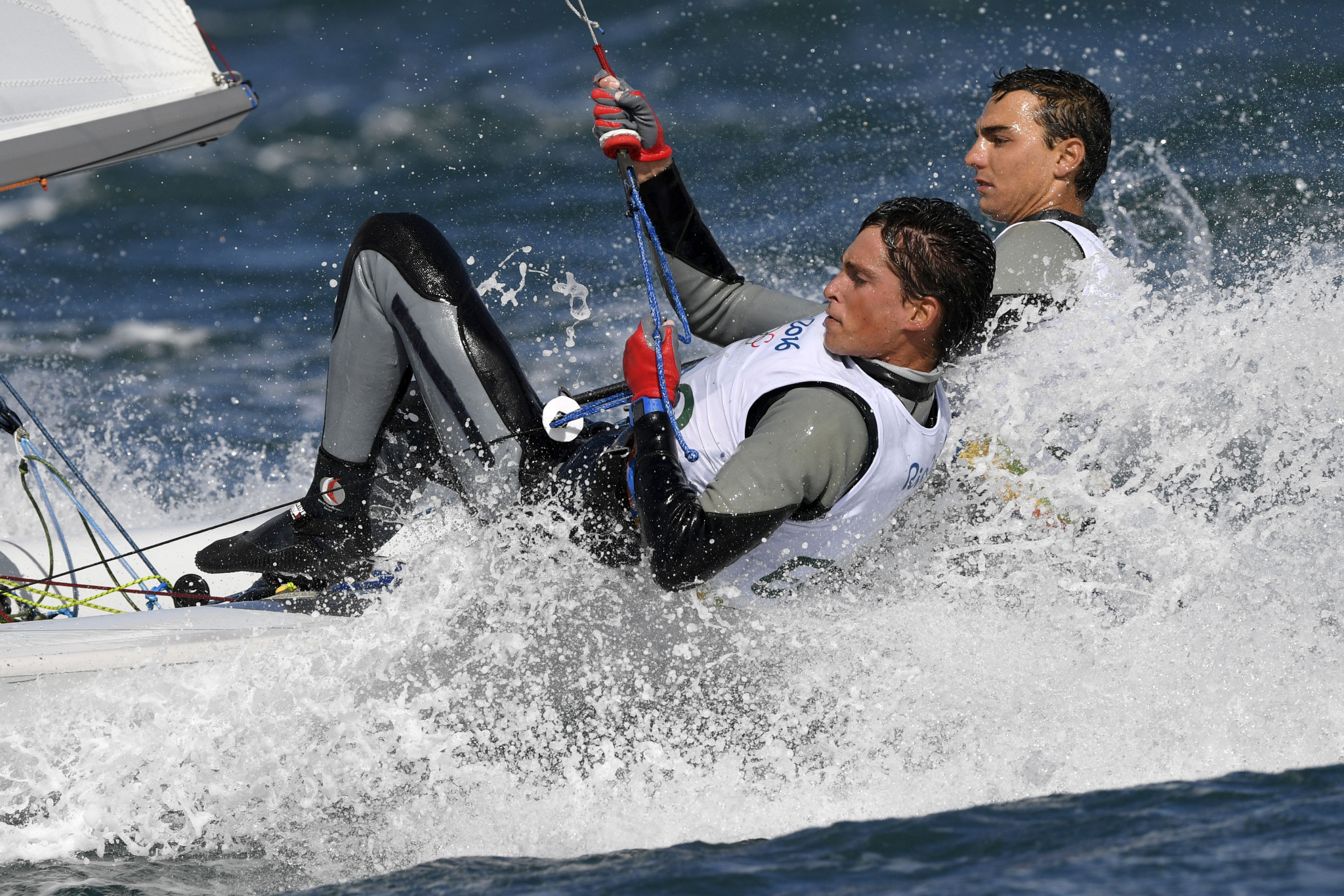 Spain's Jordi Xammar, right, and Nicolás Rodríguez have retaken the lead in the men's event at the 470 World Championships on Enoshima Bay in Japan ©Getty Images