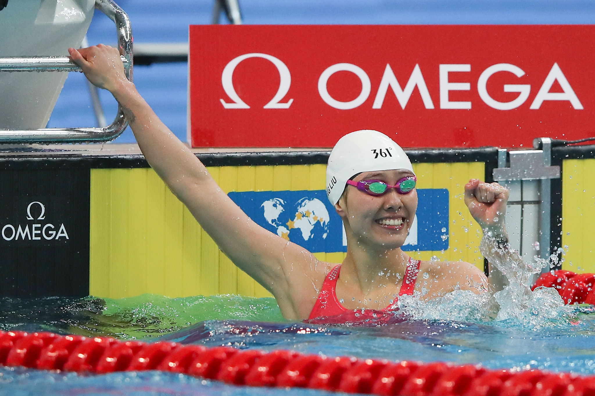 Liu Xiang celebrated home success for China ©Getty Images