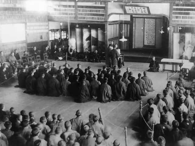 Kano giving a lecture at Shimotomisaka dojo © The Kodokan Institute