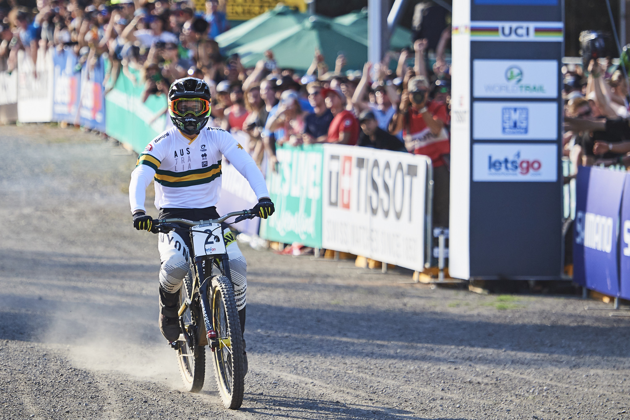 Troy Brosnan of Australia will bid to close the gap on men's downhill overall leader Loïc Bruni in Lenzenheide ©UCI