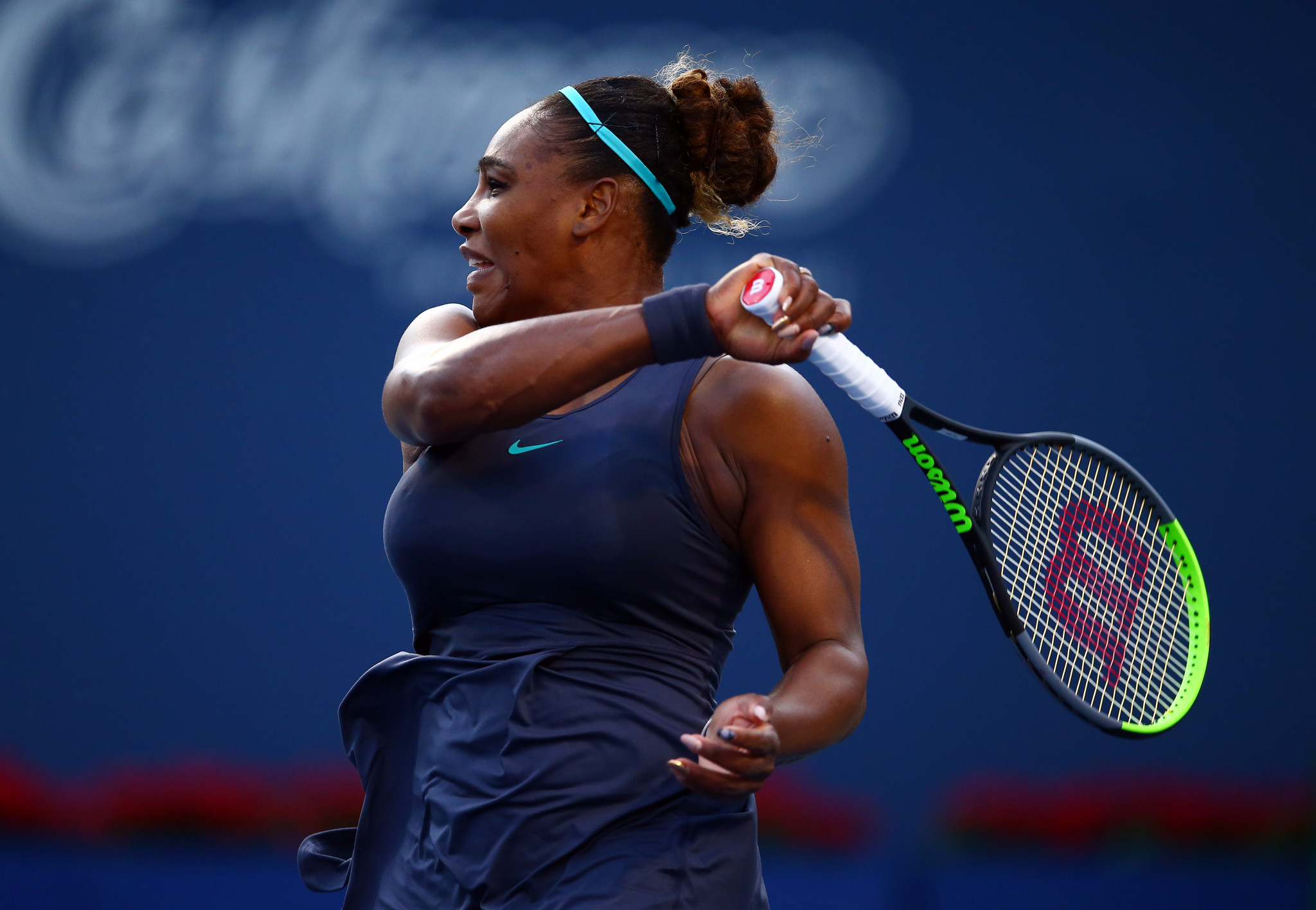 Williams sweeps aside Osaka to reach Rogers Cup semi-finals