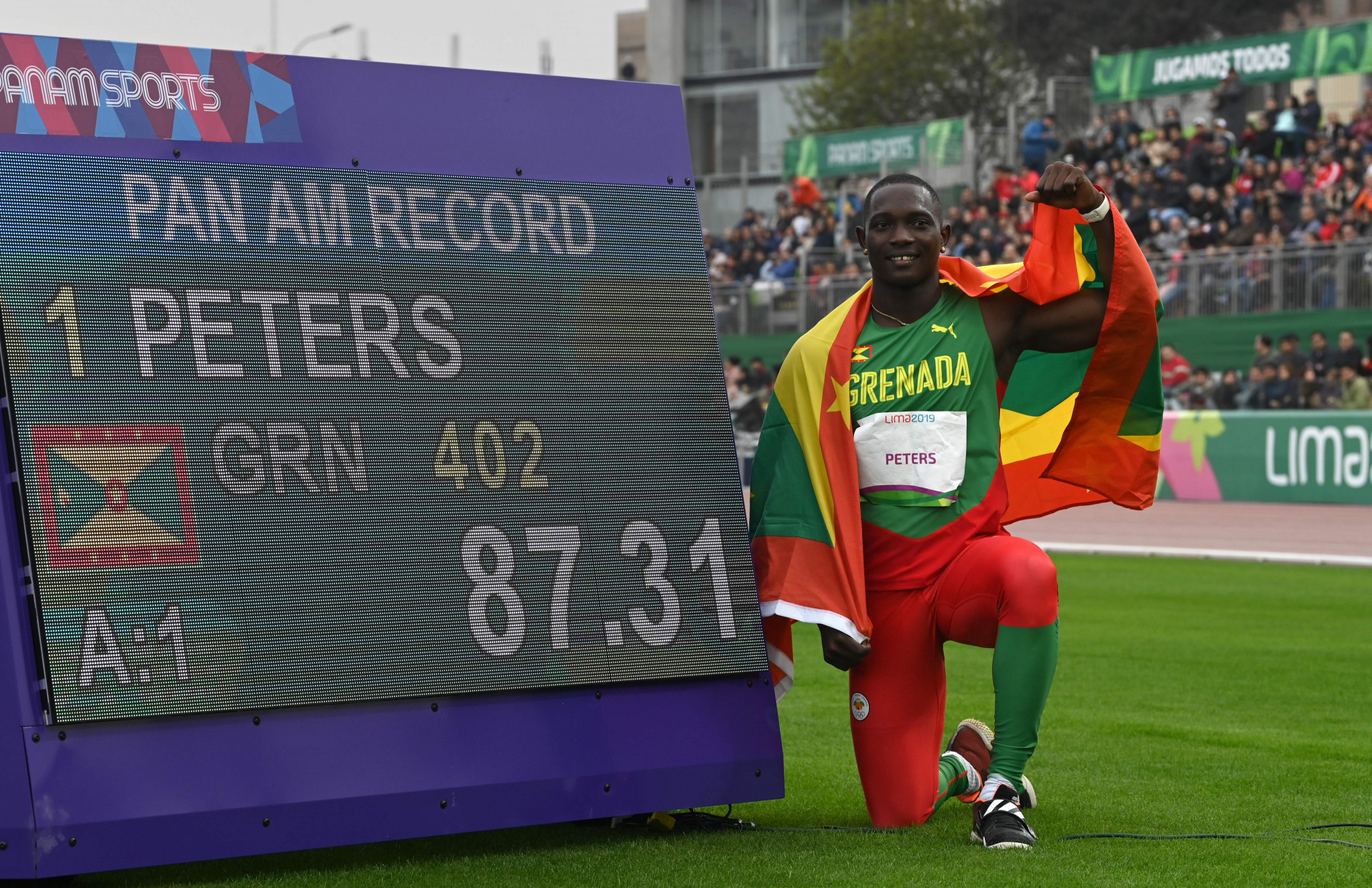 Grenada's Anderson Peters won the men's javelin in a Games record ©Getty Images
