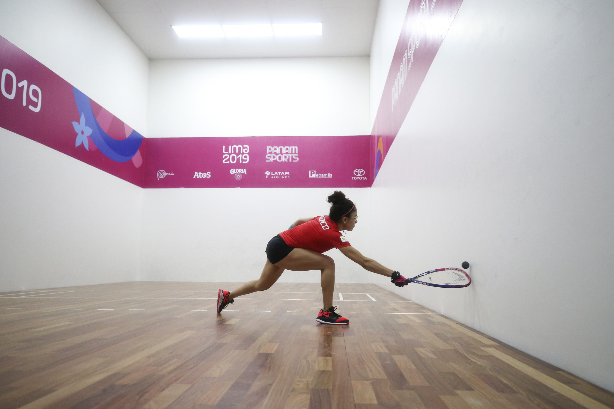 Paola Longoria continued Mexico's joy in racquetball, winning the team event to earn her third gold medal at three consecutive Pan American Games ©Lima 2019
