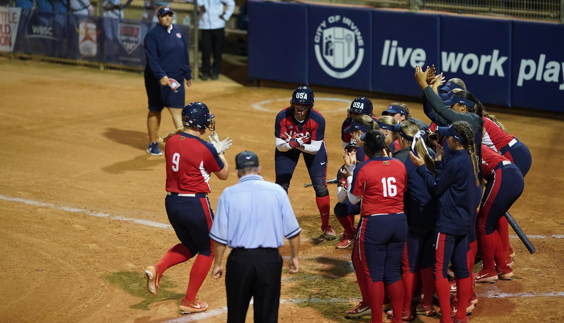 Hosts the United States were among the four teams to secure their place in the super round as action continued today at the Under-19 Women's Softball World Cup in Irvine ©WBSC