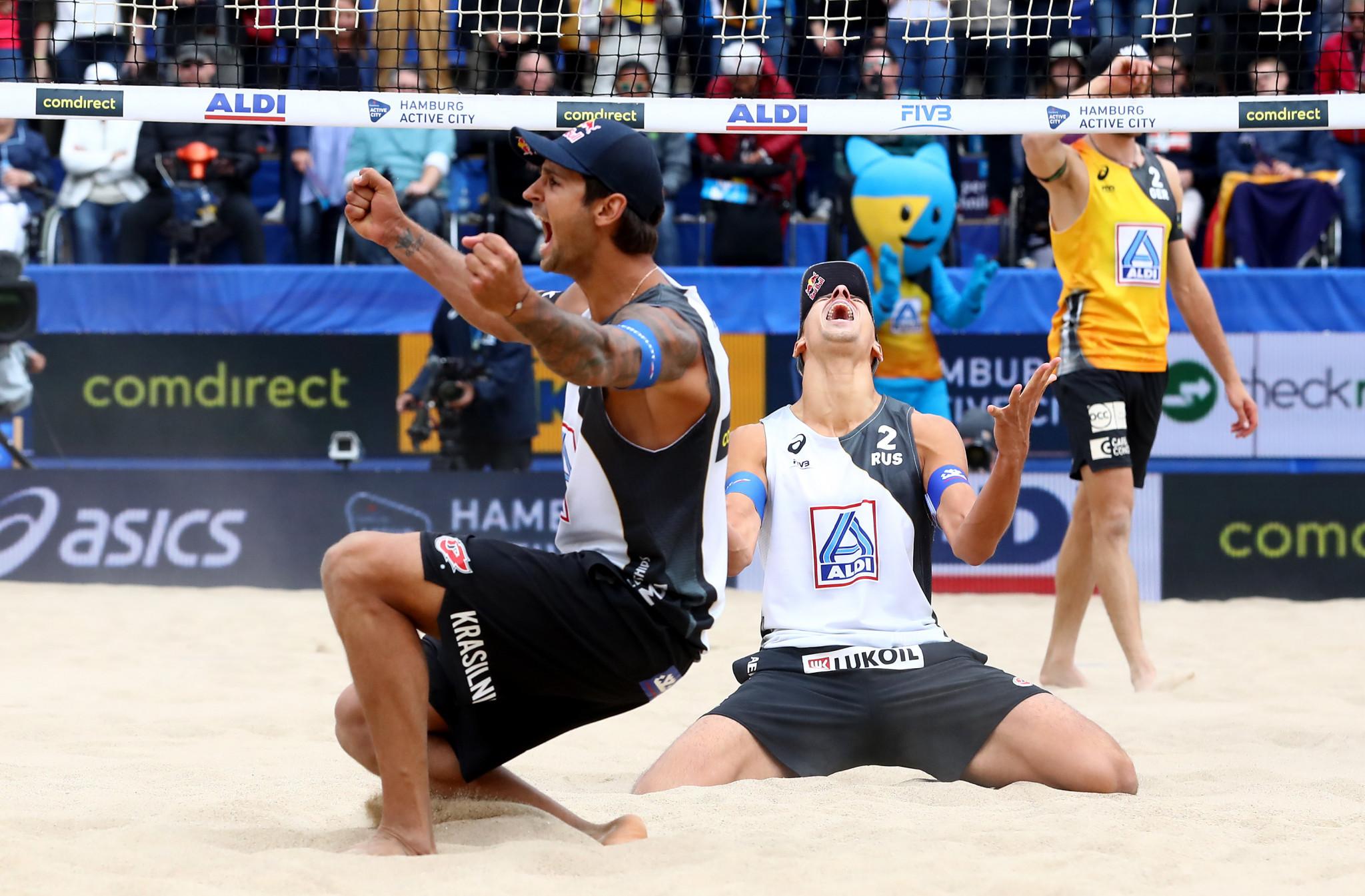 World champions Viacheslav Krasilnikov and Oleg Stoyanovskiy are the men's top seeds on home sand ©Getty Images