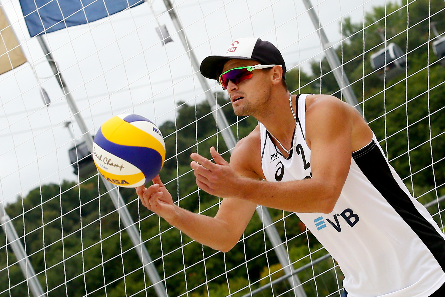 Poland's Maciej Rudol and Jakub Szalankiewicz defied the seedings to reach the main draw of the men's event ©FIVB