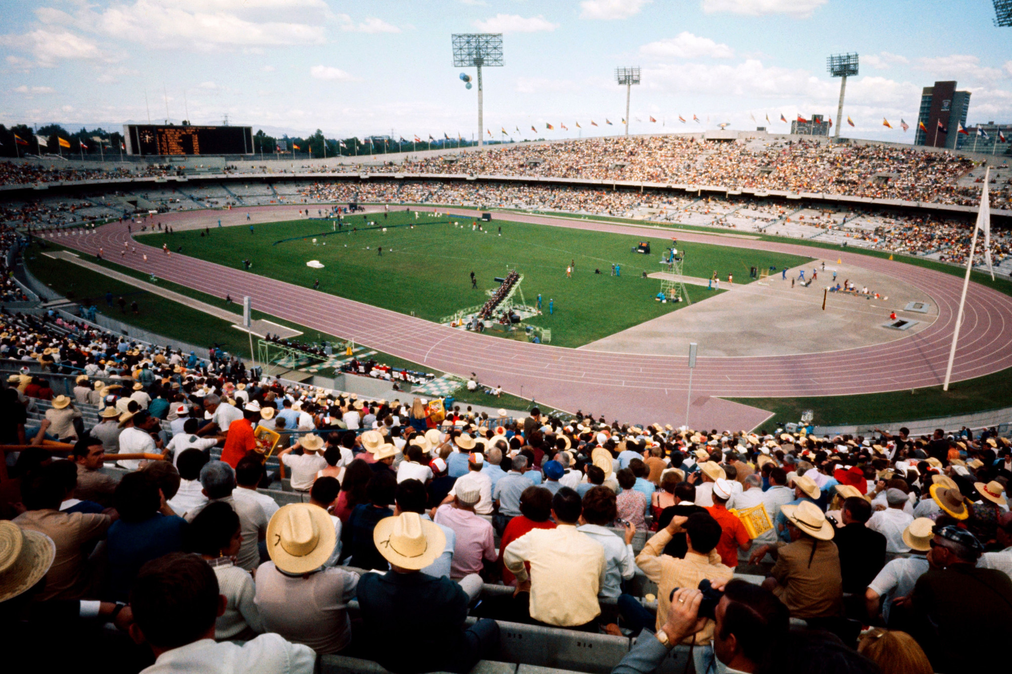 Heat was also an issue at the 1968 Olympic Games in Mexico ©Getty Images
