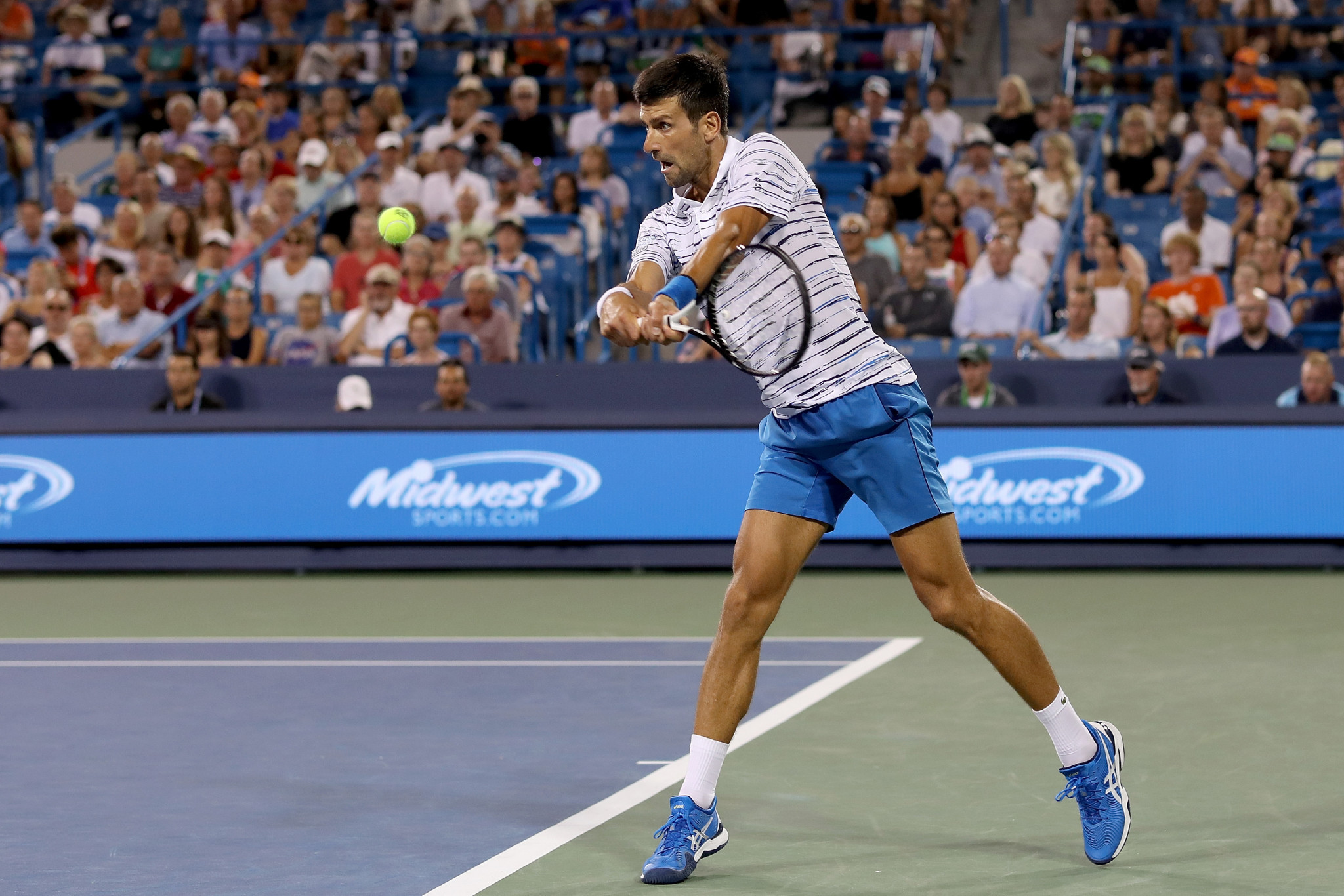 Djokovic sets up Medvedev semi-final clash at Cincinnati Masters