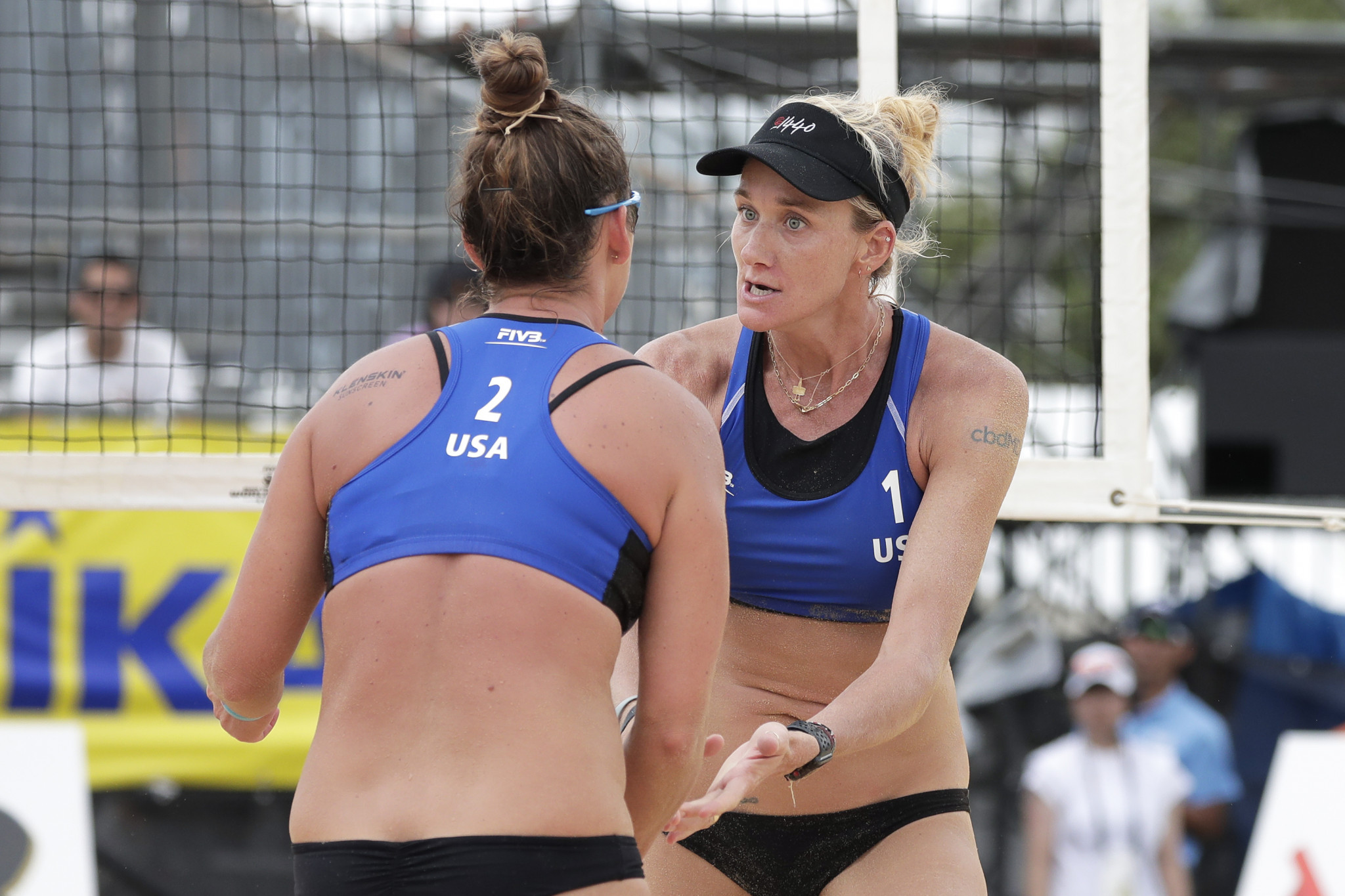 Brooke Sweat and 41-year-old three-time Olympic champion Kerri Walsh Jennings were beaten in the women's semi-finals ©Getty Images
