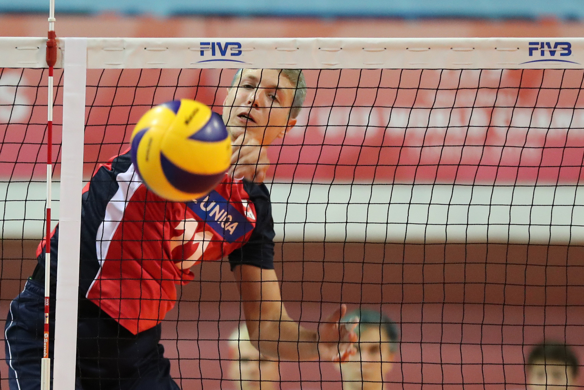 Five-set matches were a feature of day one  ©FIVB