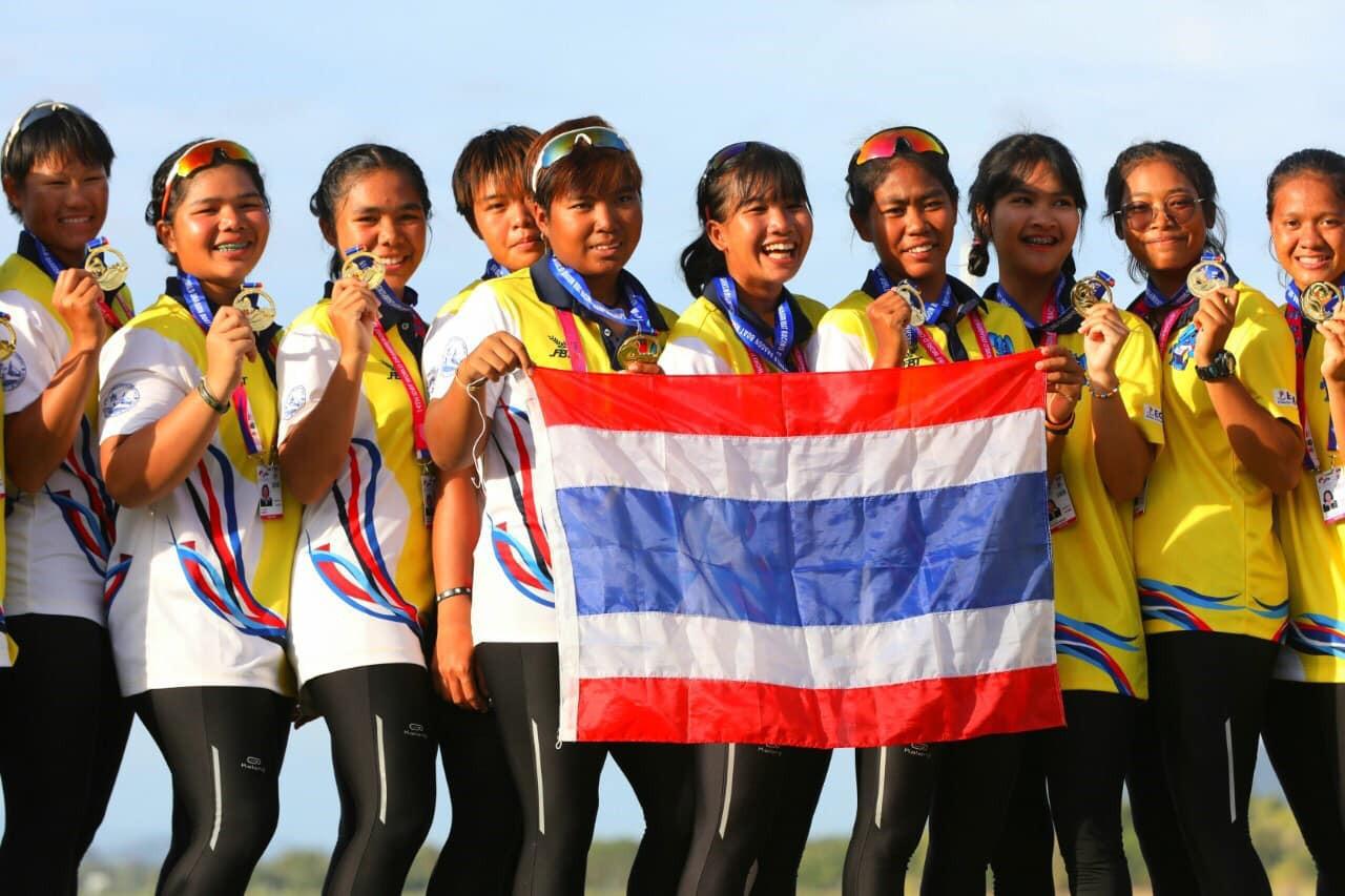 Thailand won world gold in the premier 1,000m women's class ©IDBF