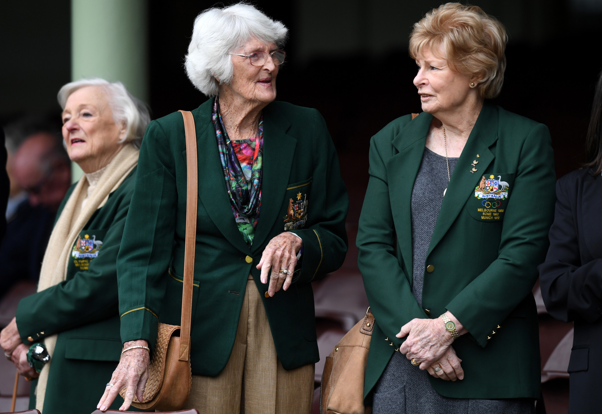 Marlene Matthews, right, paid tribute to former team-mate Norma Fleming, centre, after her death in Brisbane ©Getty Images