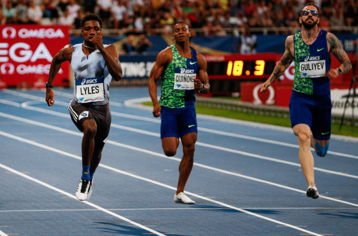 America's Noah Lyles heads for 200m victory in a meeting record of 19.65 at the IAAF Diamond Leaugue in Paris ©Getty Images