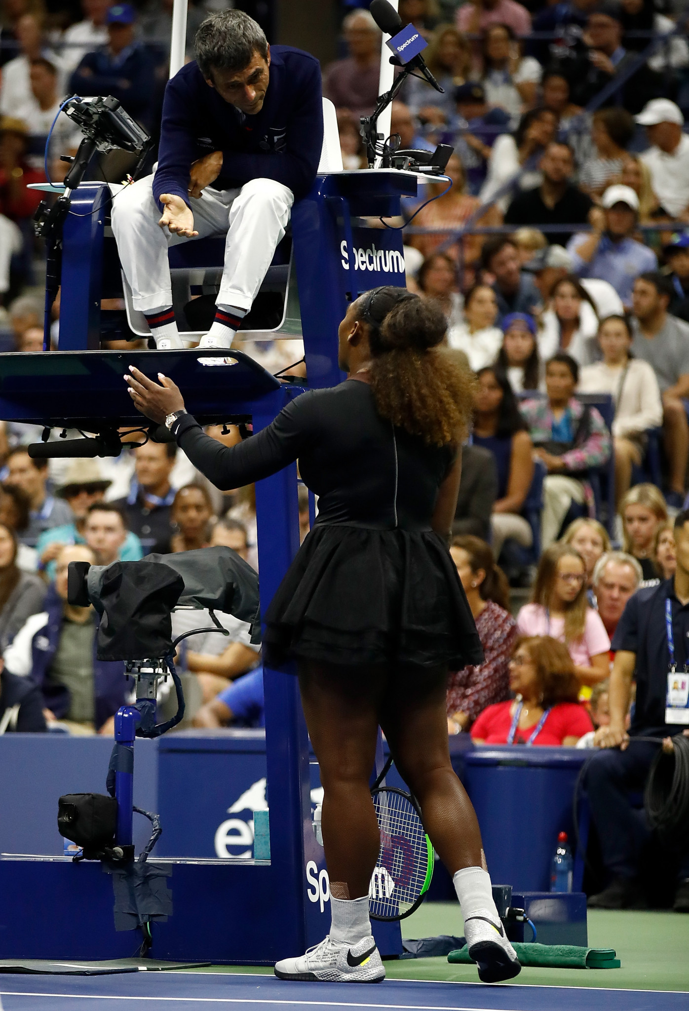 Serena Williams of the United States argues with umpire Carlos Ramos during her defeat in the 2018 US Open final ©Getty Images