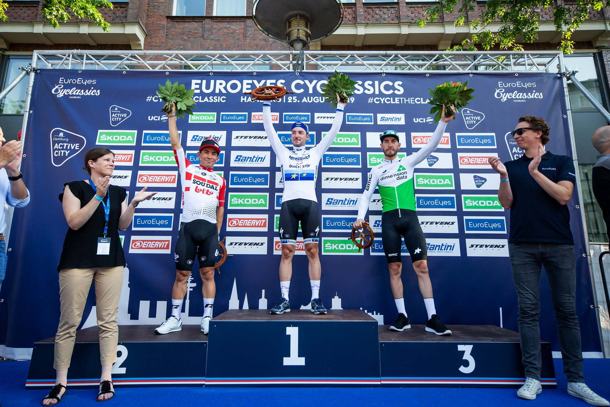 Viviani wins third successive EuroEyes CyClassics Hamburg title in Germany
