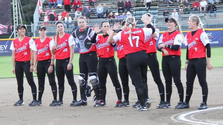 Canada defeated Cuba 17-0 on the first day of the WBSC Softball Americas Olympic qualifier ©WBSC