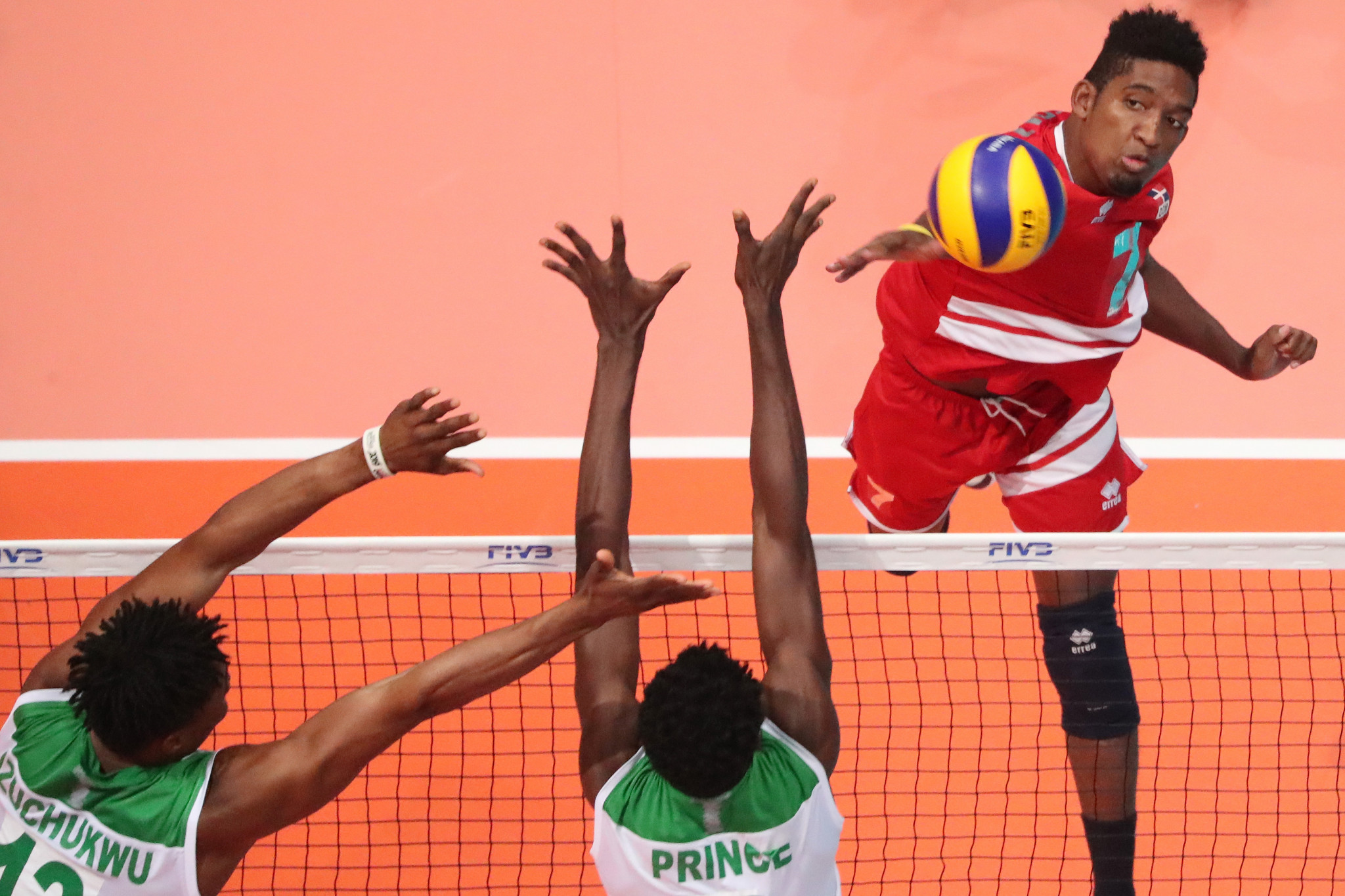 Nigeria defeated the Dominican Republic in straight sets to reach the last-16 in Tunis ©FIVB