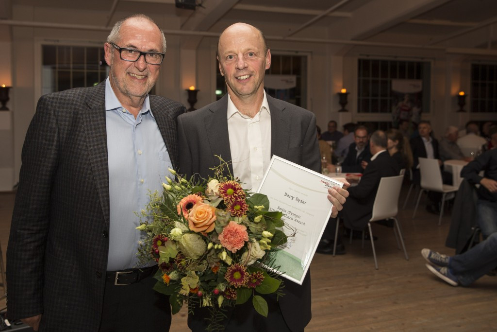 Former football manager receives Swiss Olympic Lifetime Coach Award