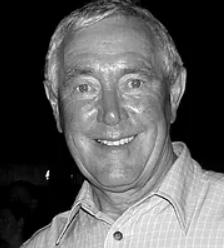 Thomas re-elected as International Dragon Boat Federation President