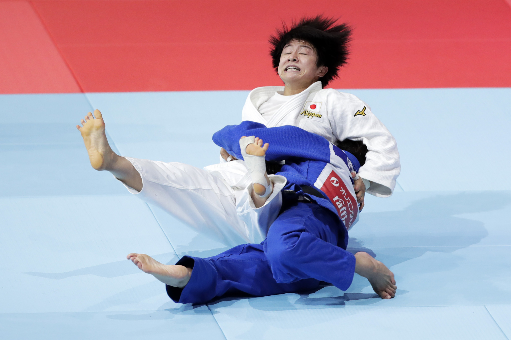 Deguchi threw her former Japanese international team mate to take victory in the golden score period ©Getty Images
