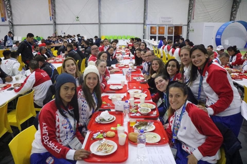 The Paraguayan Olympic Committee President had dinner with athletes at the Pan American Games ©Camilo Pérez López Moreira