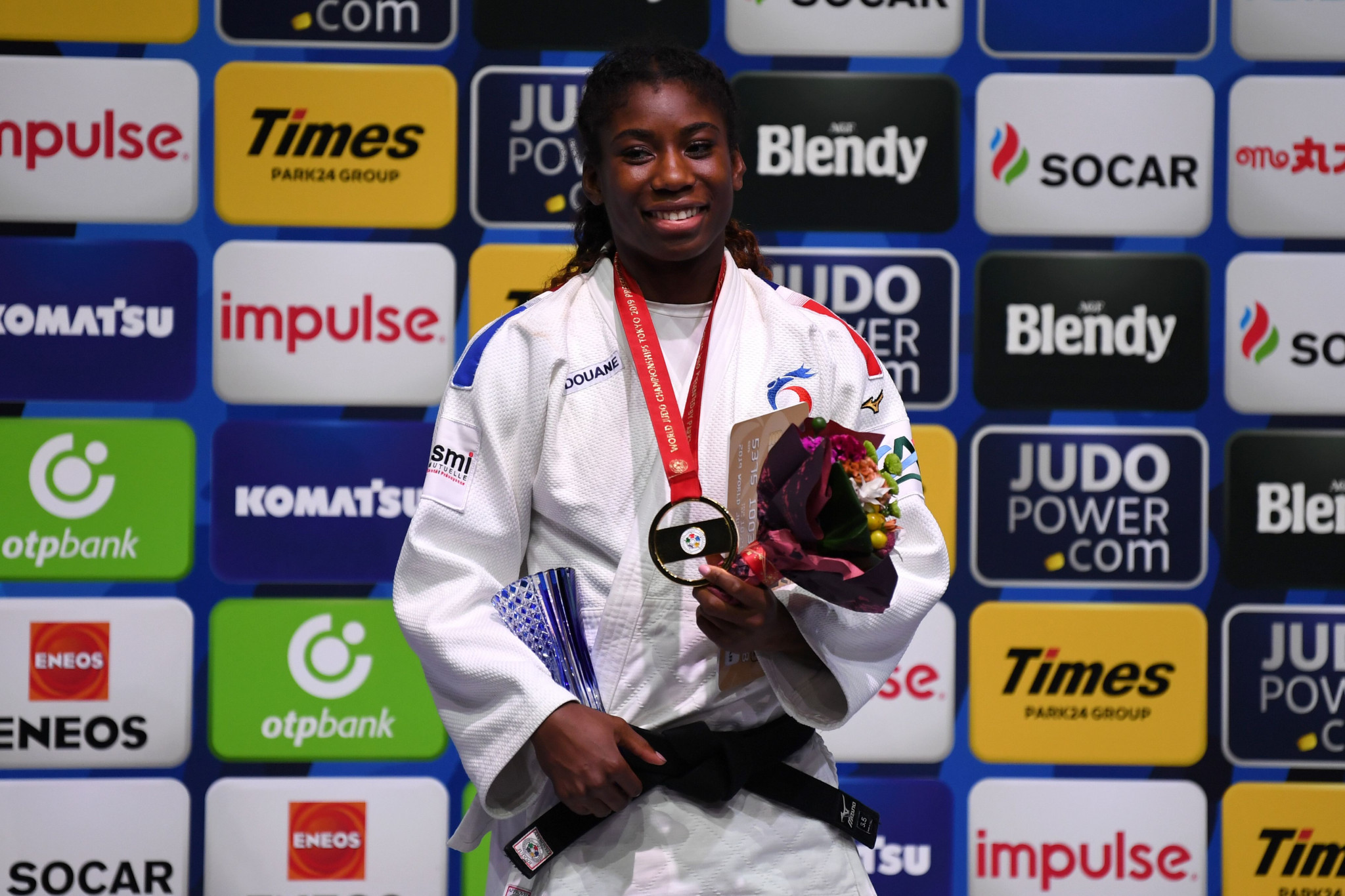Gahié and van 't End triumph on day of upsets at IJF World Championships