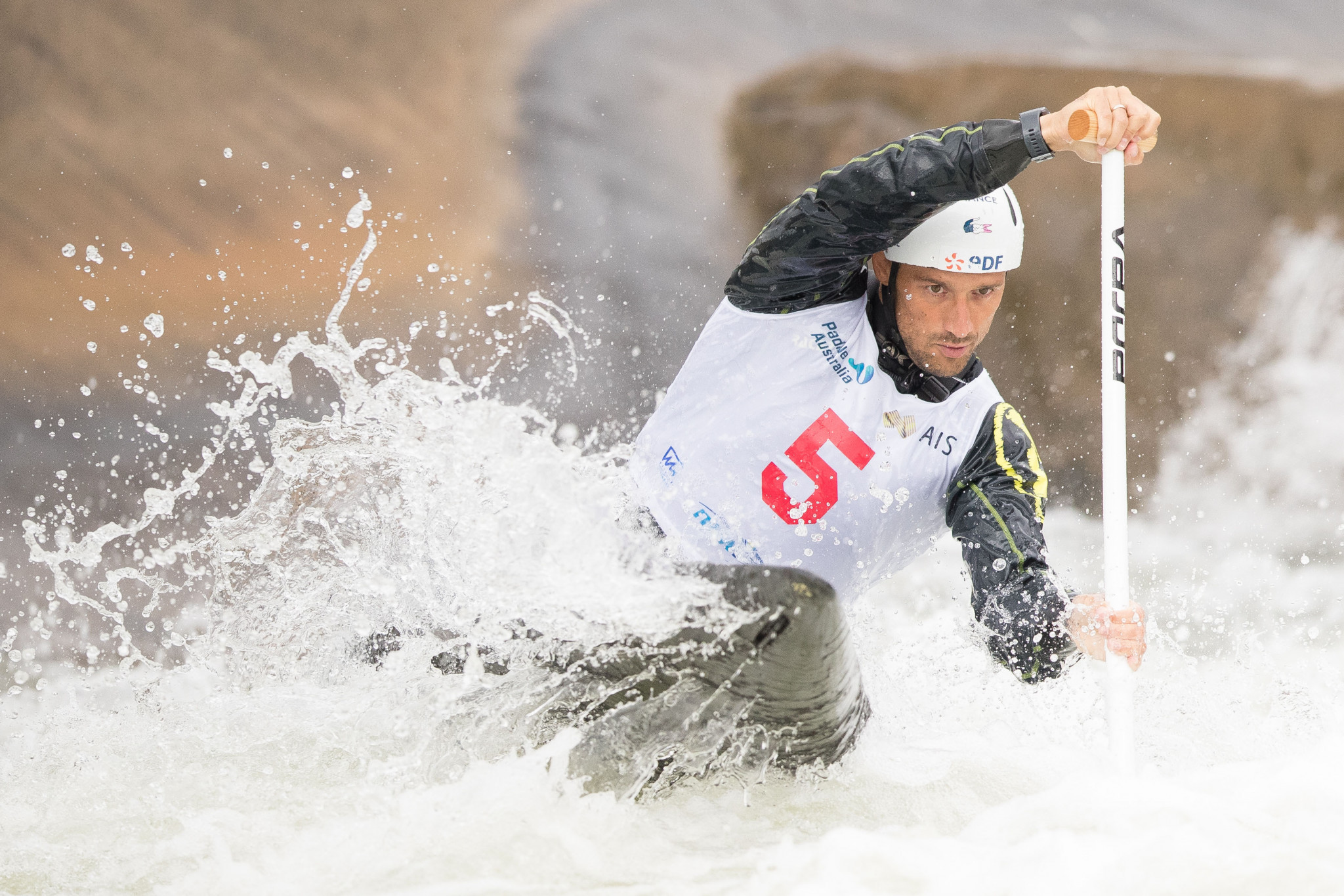 Reigning Olympic champion abandons new boat for Canoe Slalom World Cup in Markkleeberg